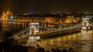 Zwiedzaj piękny Budapeszt w listopadzie! Leć za 170 zł w dwie strony!