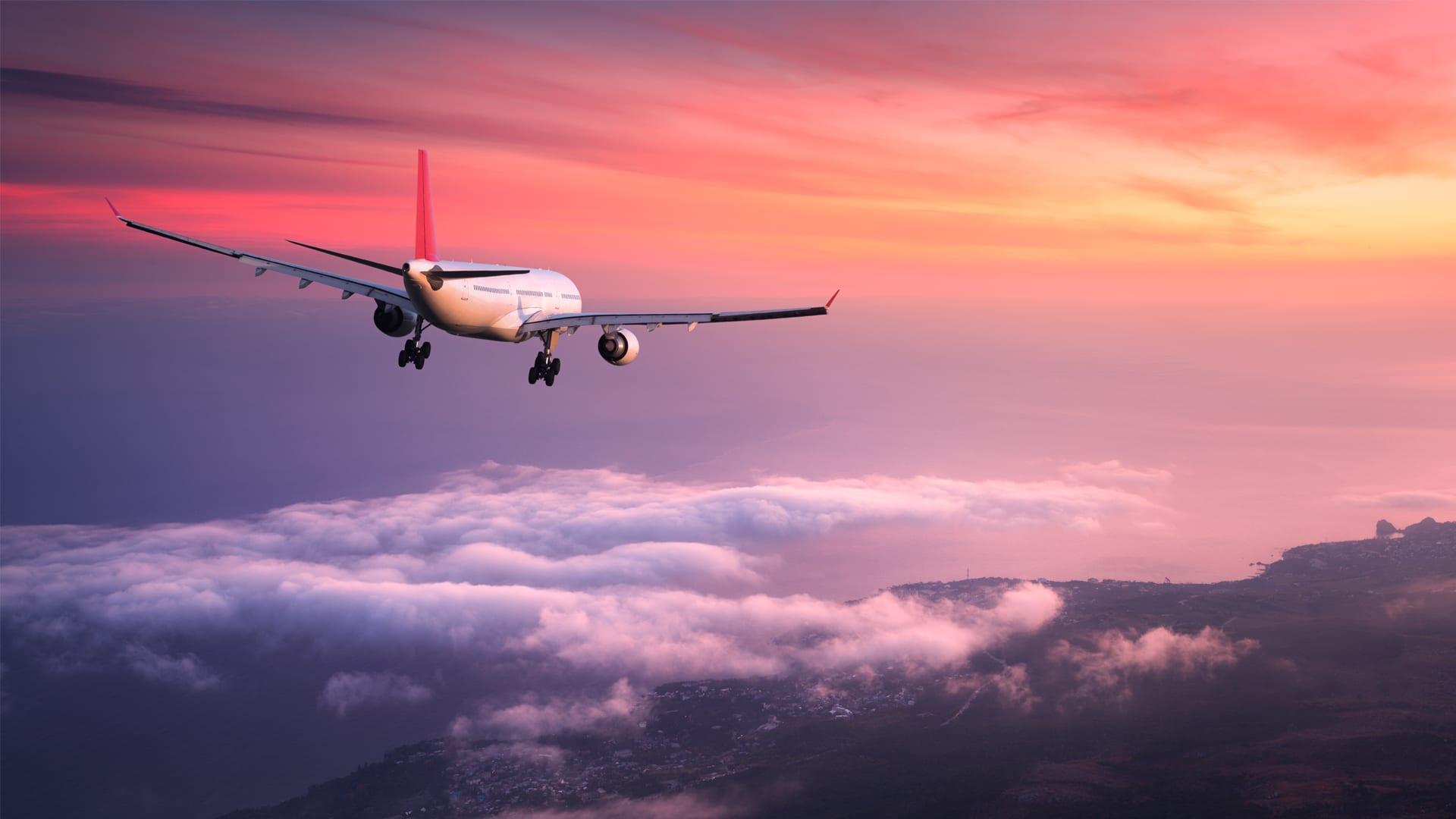 Jak i gdzie szukać tanich lotów? Praktyczne porady