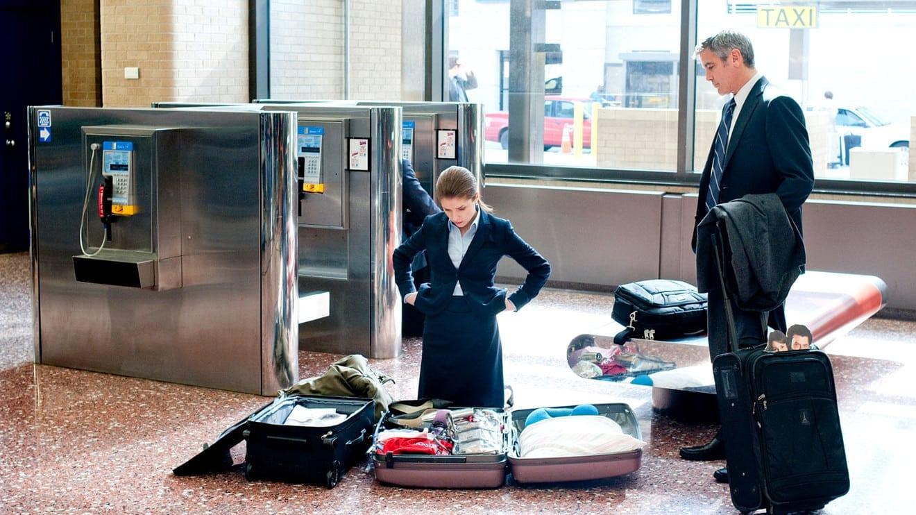 Co można zabrać do samolotu w bagażu głównym?