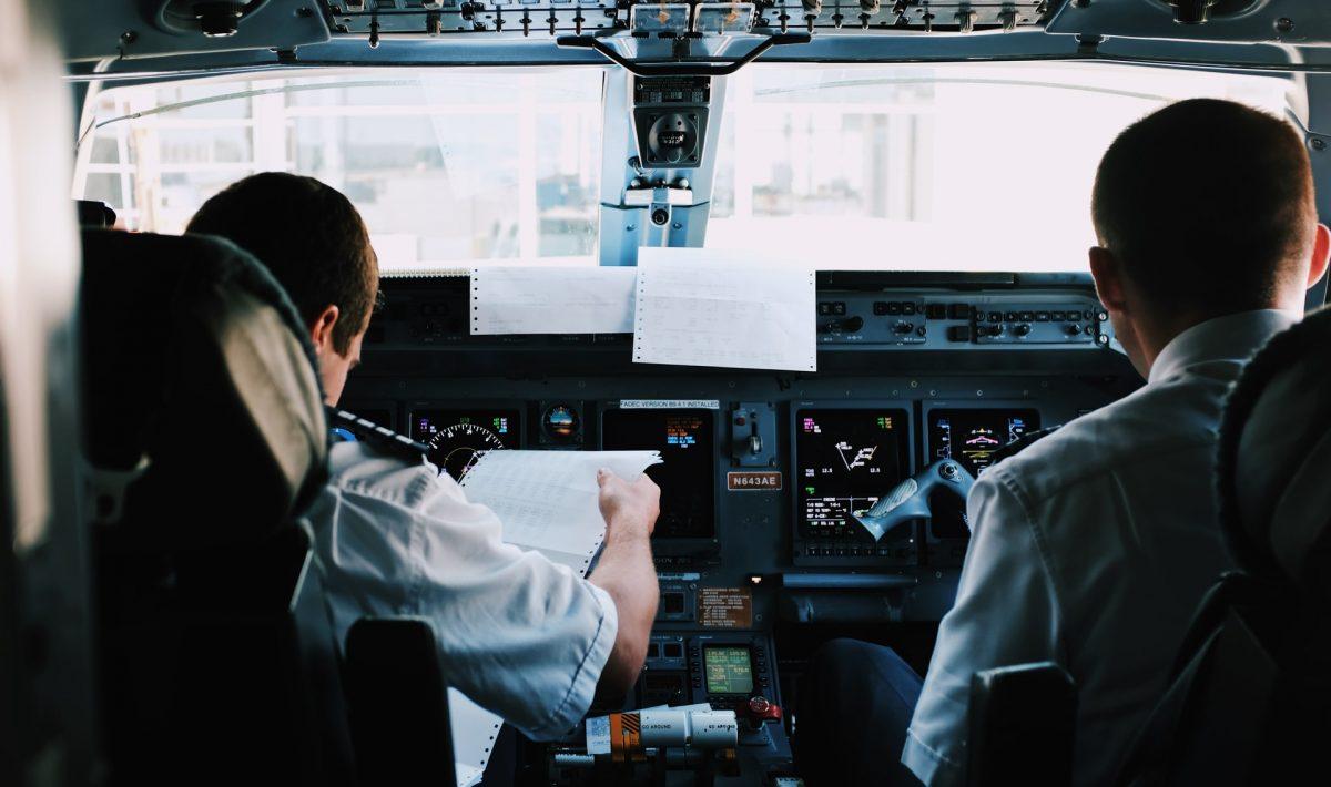 Piloci samolotu rejsowego